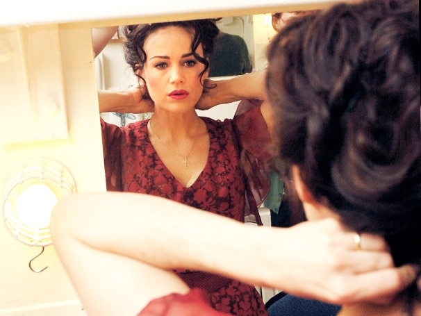 Surrendering to Desire with Carla Gugino