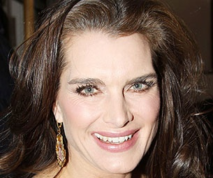 Brooke Shields Breaks Hand in Leap of Faith Rehearsals But Show Will Go On