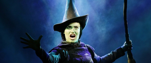 Fans Name Original Star Idina Menzel Wicked's Most 'Popular' Elphaba