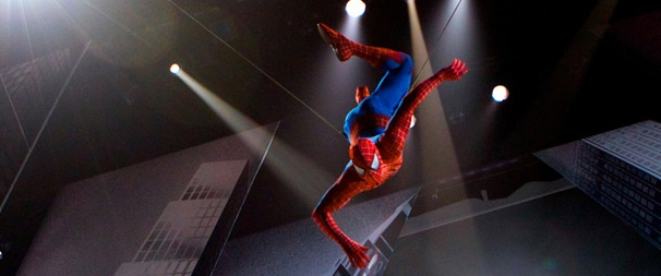 Accident at Spider-Man: Actor Doing Spidey Stunt Injured, Not Leading Man Reeve Carney