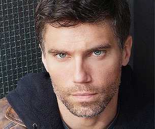Anson Mount to Join Maggie Gyllenhaal & Peter Sarsgaard in CSC's Three Sisters