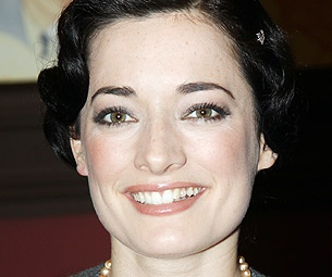 Mary Poppins' Laura Michelle Kelly Plans to Fly Past 'Ghosts of Failed Resolutions' in 2011