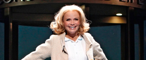 Fans Name Kristin Chenoweth the Broadway.com Star of the Year for 2010