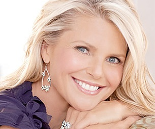 Minor Injury Shifts Christie Brinkley's Chicago Start Date