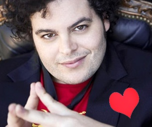 The Book of Mormon's Josh Gad Finds Romance in Wicked on Valentine's Day