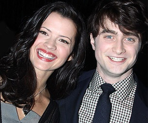 Rose Hemingway on Her 'Strong Chemistry' With How to Succeed Co-Star Daniel Radcliffe