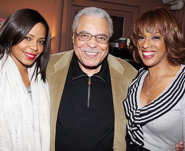 James Earl Jones Welcomes Gayle King & Sanaa Lathan to Driving Miss Daisy