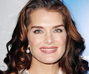 Brooke Shields to Succeed Bebe Neuwirth as Morticia in The Addams Family