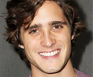 Newcomer Diego Gonzalez Boneta Tapped to Play Drew in Rock of Ages Film