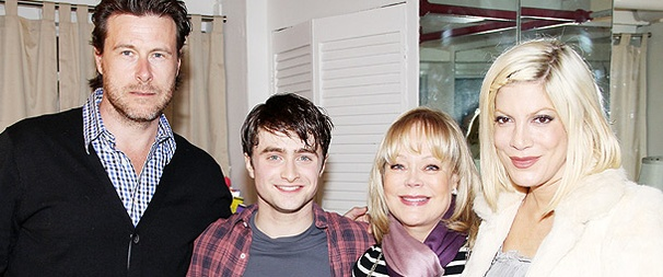 Tori Spelling & Harry Potter Cast Members Cheer Daniel Radcliffe in How to Succeed
