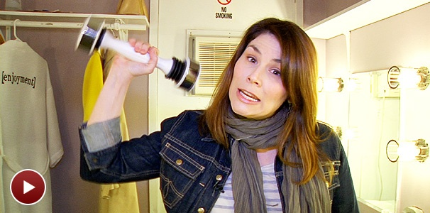 Heidi Blickenstaff Shows Off a Shake Weight and More Backstage at The Addams Family