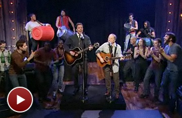 The Cast of Stomp Accompanies Paul Simon & Jimmy Fallon in a Rocking Rendition of 'Cecilia'