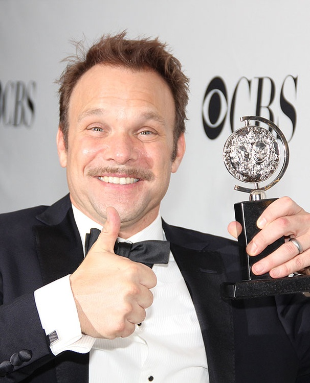 'Most Grateful Man in the Room' Norbert Leo Butz Takes Home Best Actor Tony for Catch Me If You Can
