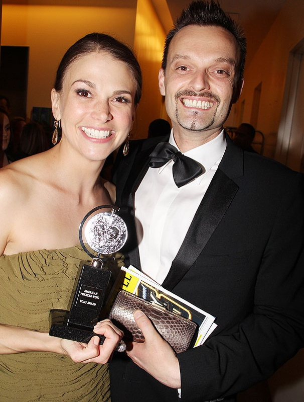 Accepting a Best Actress Tony for Anything Goes, an Emotional Sutton Foster Thanks the Men in Her Life