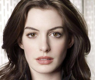 Anne Hathaway Touted to Play Fantine Opposite Hugh Jackman in Les Miserables Film