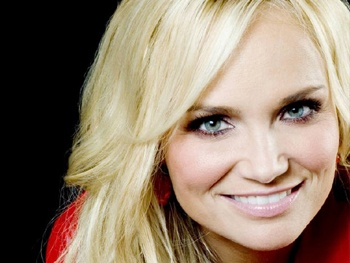 GCB (Formerly Good Christian Belles), Starring Kristin Chenoweth, Sets Premiere Date