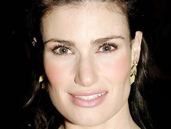 Premiere Date Set for Idina Menzels Barefoot TV Concert Special 