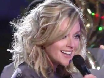 Broadway Holiday Flashback! Jane Krakowski Eagerly Awaits 'The Man With the Bag'