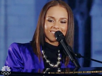 Broadway Holiday Flashback! Stick Fly Composer Alicia Keys Takes on 'O Holy Night' and 'Little Drummer Girl' 