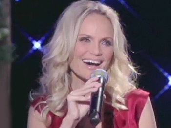 Broadway Holiday Flashback! Kristin Chenoweth Is Dreaming of a 'White Christmas'