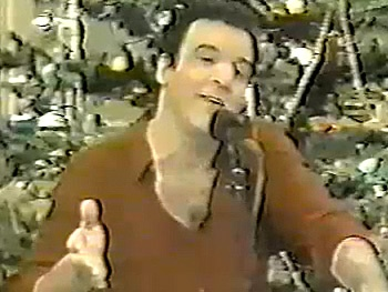 Broadway Holiday Flashback! Mandy Patinkin Puts His Unique Spin on 'White Christmas' and 'Jingle Bells'