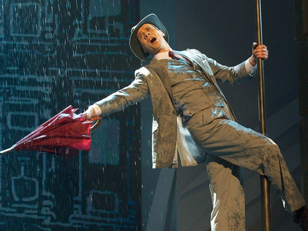 Singin' in the Rain to Finish West End Run in June; U.K. Tour Starts in November