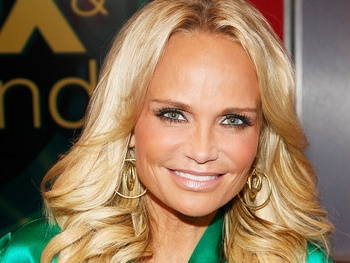 Kristin Chenoweth 'Doing So Much Better' After Good Wife Injury