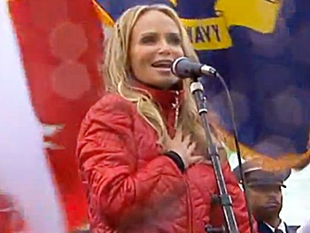 Watch Kristin Chenoweth Sing the National Anthem at the Giants vs. 49ers Game