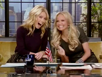  Kristin Chenoweth Joins Fellow Pocket Diva Kelly Ripa as Co-Host on Live With Kelly 