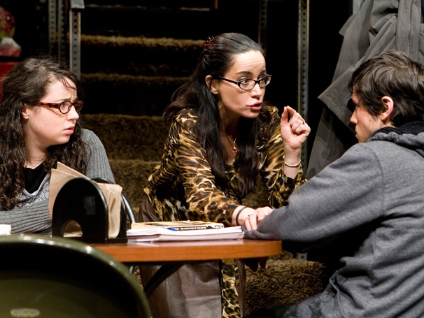 Russian Transport, Starring Janeane Garofalo, Extends  Off-Broadway