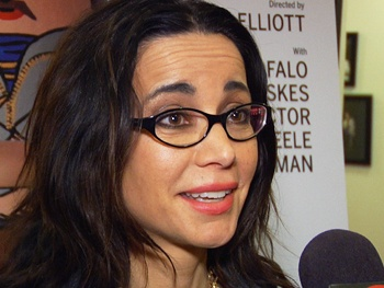 Meet Janeane Garofalo and Her Dysfunctional Onstage Family in Off-Broadway's Russian Transport