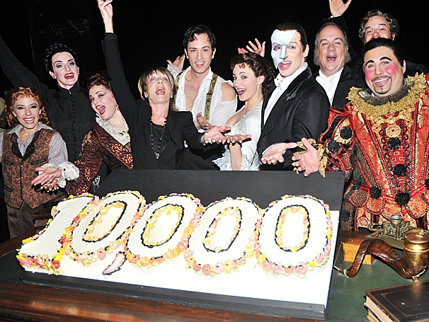 Bravo! Hugh Panaro & the Cast of The Phantom of the Opera Celebrate 10,000 Shows on Broadway