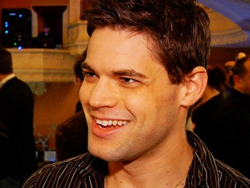 Jeremy Jordan and the Newsies Company Spread the Word on Their Hot New Show