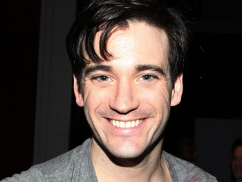 Anything Goes Star Colin Donnell Talks Playing a Mercedes-Driving Billionaire in CWs Arrow Pilot