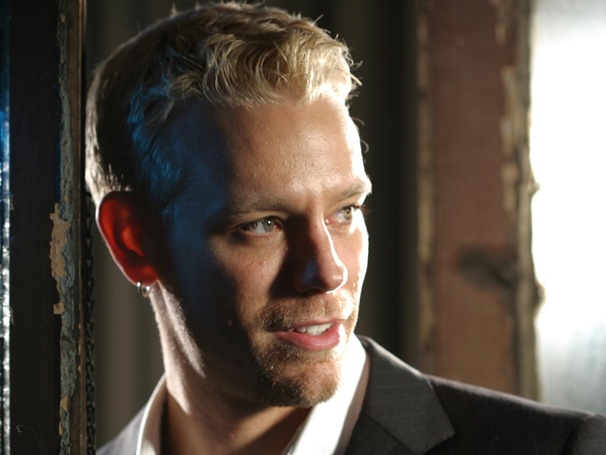 Adam Pascal Set to Razzle Dazzle 'Em as Billy Flynn in Broadway's Chicago