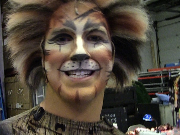 Backstage at Cats with Chris Stevens Episode 4: Put Your Cat Suit On