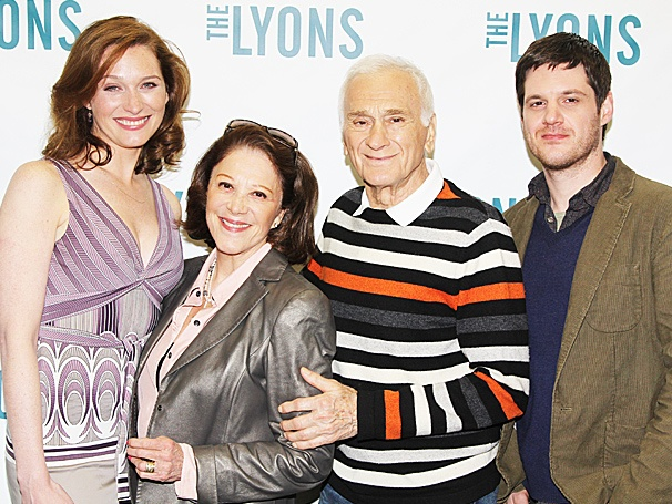 Linda Lavin, Dick Latessa & Co. Get Ready to Roar Onto Broadway in The Lyons