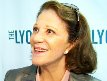 Meet Linda Lavin and Her Dysfunctional Broadway Family in The Lyons