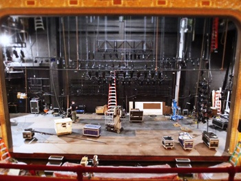 Exclusive Video: Take a Peek as Clybourne Park Gets Put Together on Broadway