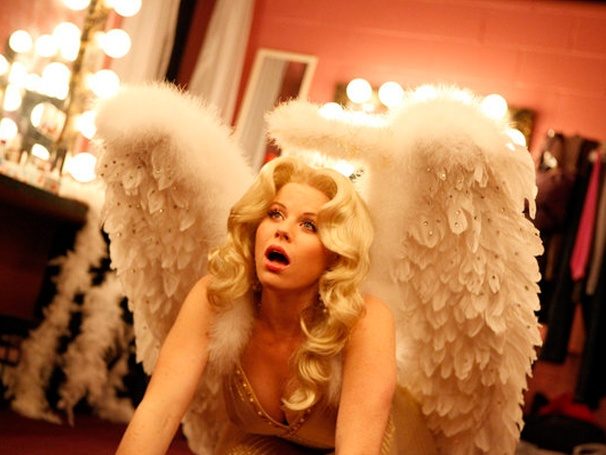 Megan Hilty Falls from Heaven, Norbert Leo Butz Goes Blond and More Smash Highlights