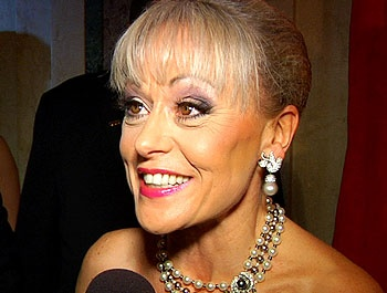 Broadway Embraces New Star Tracie Bennett at the Elegant Opening of End of the Rainbow