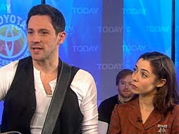 See Once Stars Steve Kazee & Cristin Milioti Sing Falling Slowly on Today 