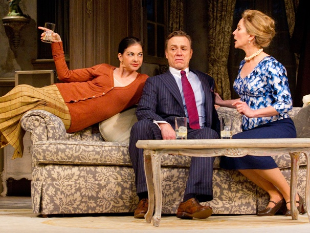 Ménage à Six! Don't Dress For Dinner Opens on Broadway