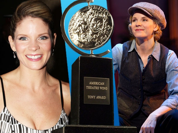 Nice Work Star Kelli O'Hara is Surprised With 150 Facebook Messages on Nomination Day