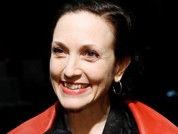 Bebe Neuwirth, Christina Ricci & More on the Magic of Their 'Non-Traditional' Midsummer Night's Dream