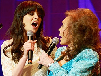 New Girl's Zooey Deschanel to Play Loretta Lynn in Coal Miner's Daughter on Broadway