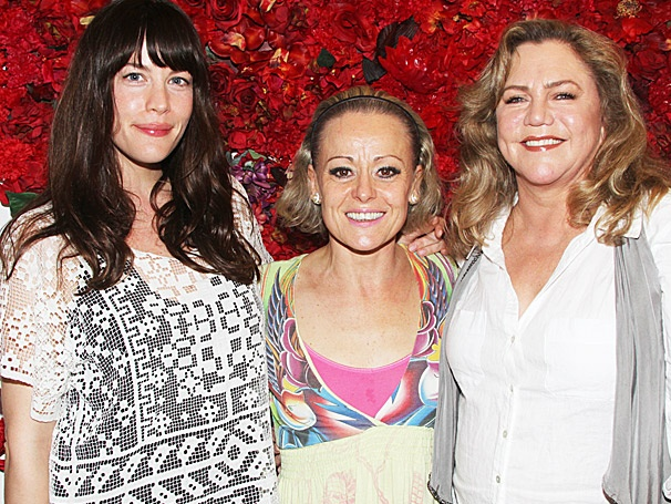 Liv Tyler and Kathleen Turner Join Tracie Bennett in End of the Rainbows Rainbow Room