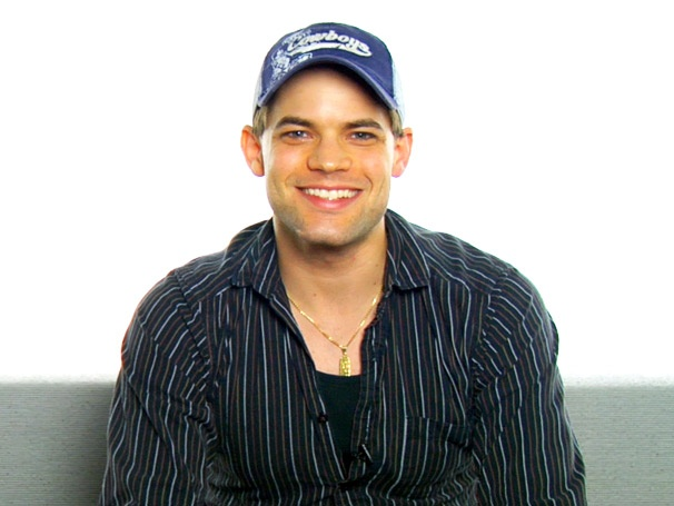 Newsies Jeremy Jordan on Bathtub Mishaps, Famous Co-Stars and the Sexy Scar on His Chin