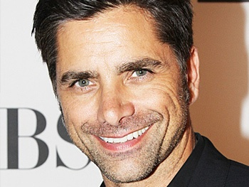 John Stamos Heads to Live With Kelly!
