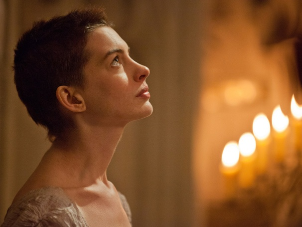 Anne Hathway Wins SAG Award for Les Misérables